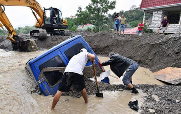 Число пострадавших от наводнения в Ялте вновь выросло
