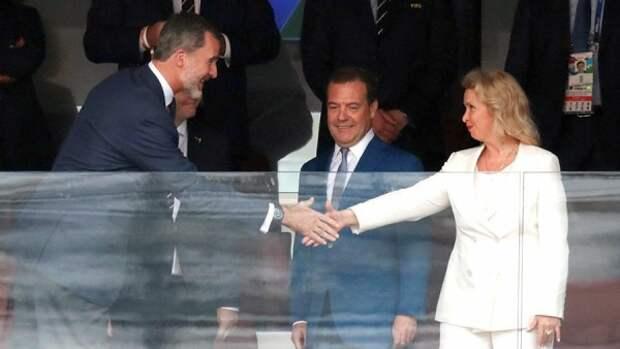 Медведев и Янукович стали талисманами победы?