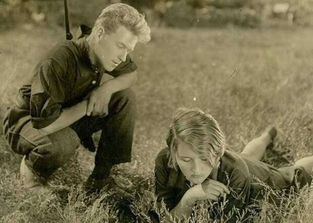 В поле. Неизвестный автор, 1930-е, из архива МАММ/МДФ.