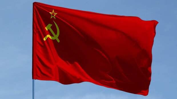Полоумный эксперт оскорбил СССР, Россию, Украину: «Советский Союз выпускал д*рьмо»