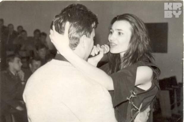 Сопровождал ее Бизюк частенько даже на сцене! Так вот любовь была! Ну или, как он сам говорит, страсть. Фото: из архива