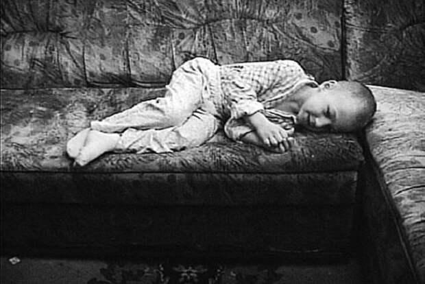 Детство в стае собак: история Вани Мишукова, которому уже 27 лет