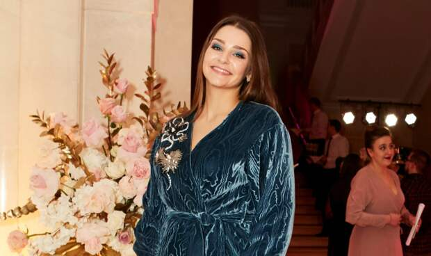 Глафира Тарханова рассказала о том, как совмещает актерские будни и материнство