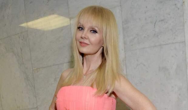 Певица Валерия женила младшего сына