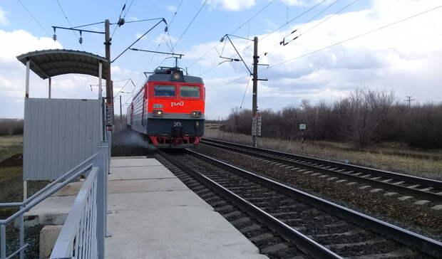 Прокуратура в Орске проверяет обстоятельства схода локомотива с рельсов