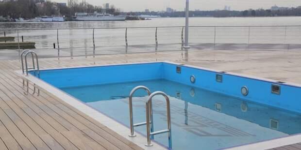 В парке Северного речного вокзала обустроили зону отдыха с бассейнами