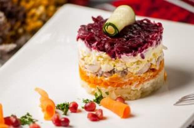 Ошибки в приготовлении «Селедки под шубой». 6 способов испортить салат