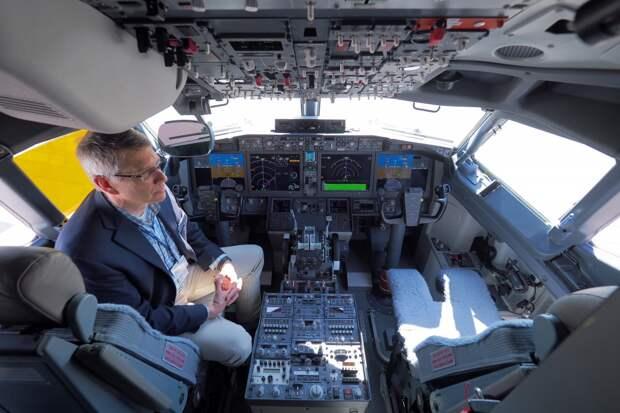 Пилоты учились летать на Boeing 737 MAX при помощи iPad