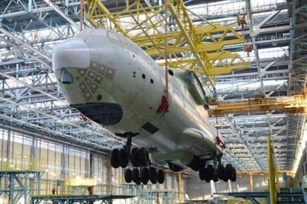 В России впервые проведена автоматическая сборка фюзеляжа для транспортного самолета Ил-76МД-90А