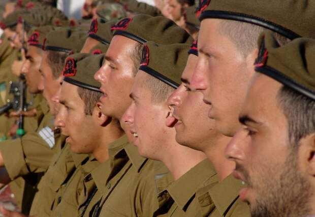Эдуард Лимонов: Израиль совершает большую ошибку, что воюет в Сирии для США