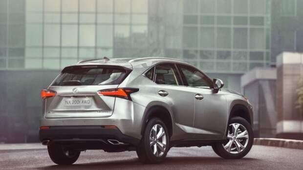 В Москве показали новый компактный кроссовер Lexus NX