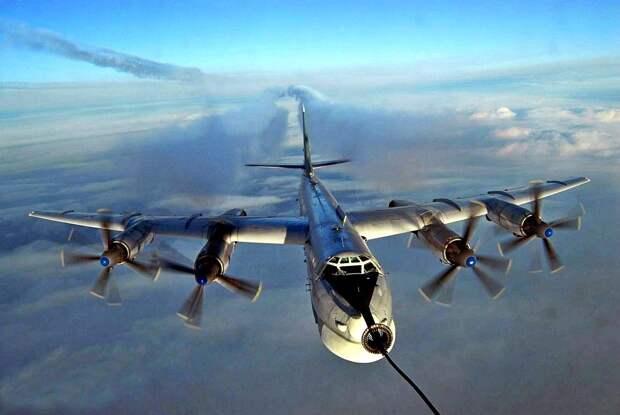 Эксперты из США выясняли цель учений российского Ту-95 с беспилотником «Охотник»