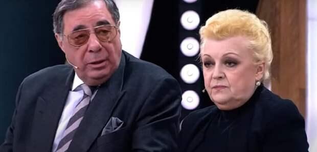 Нотариус Цивина и Дрожжиной признался в махинациях с имуществом Баталова