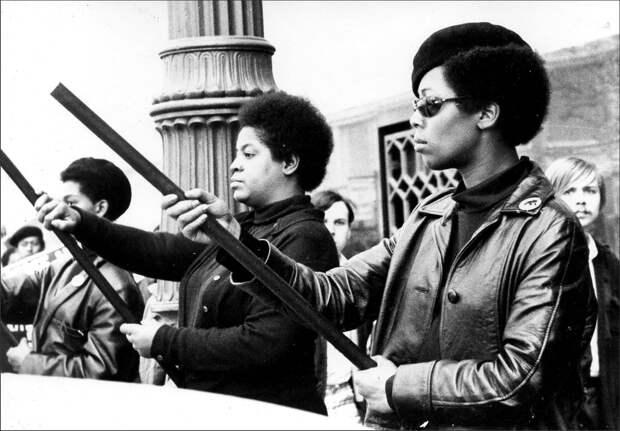 Социальные конфронтации в США 1960-х - 1970-х годов: Леворадикальная Партия черных пантер   (9)