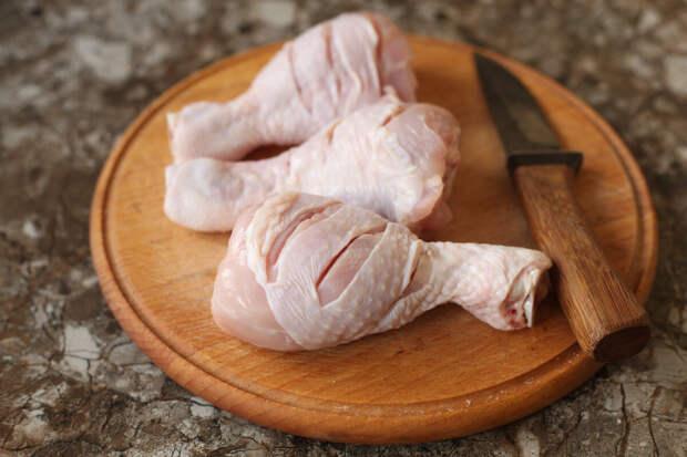 Теперь каждую неделю покупаю куриные ножки и готовлю такое блюдо на сковороде (вкусный и быстрый рецепт)