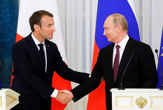 Макрон призвал Европу идти навстречу России