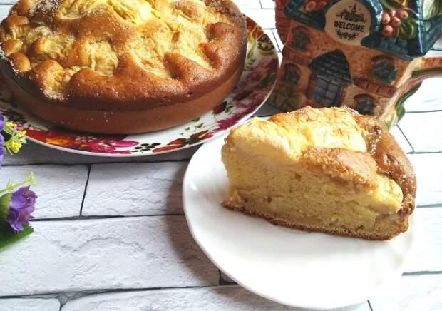 «Кружевной» пирог с яблоками из детства. Готовится 8 минут плюс время на выпечку