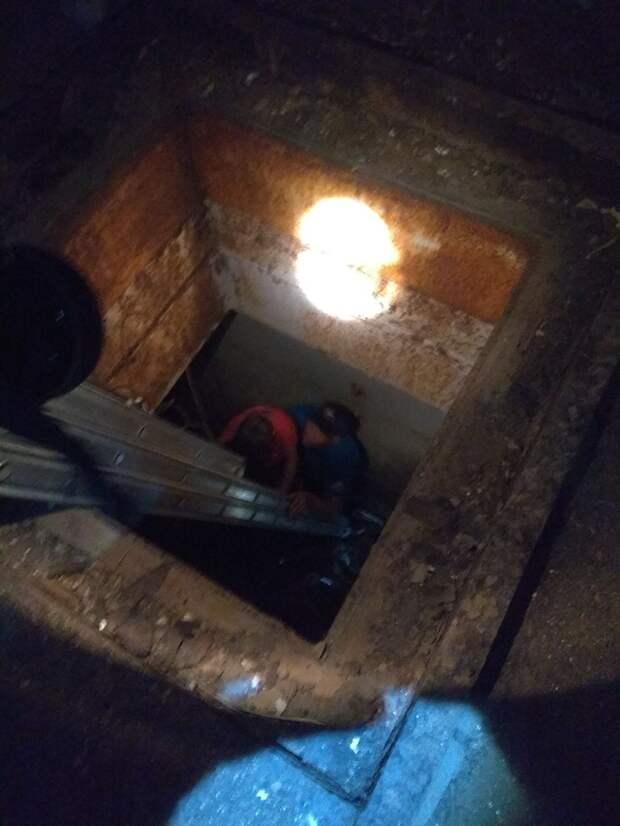 Женщина с малолетним ребёнком упали в шахту заброшенной АЭС в Крыму
