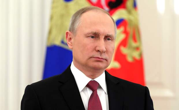 Протесты, гонка за вакцину, киберугрозы: что готовит Запад и чем ответит Путин