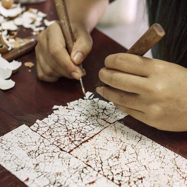 Кракелюры из яичной скорлупы. Фото с сайта http://blog.alexanderlamont.com
