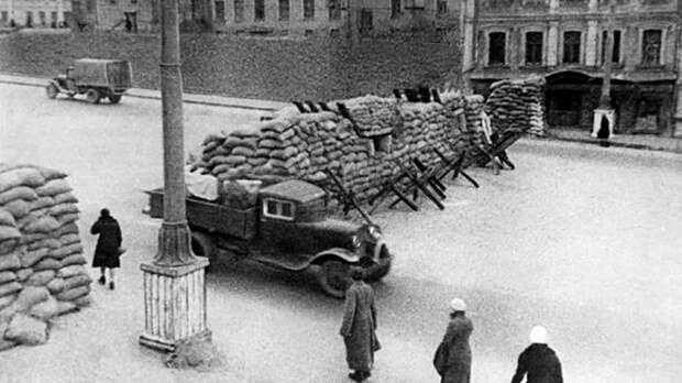 Битва за Москву: как столица встречала Гитлера