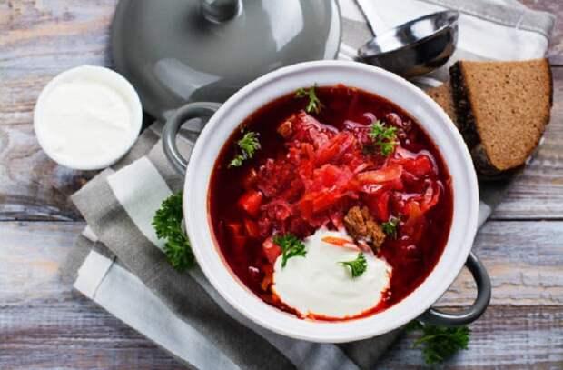 5 хитростей поваров, делающие обычный борщ шедевром