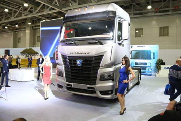 КАМАЗ показал интерьер кабины нового поколения - только на видео