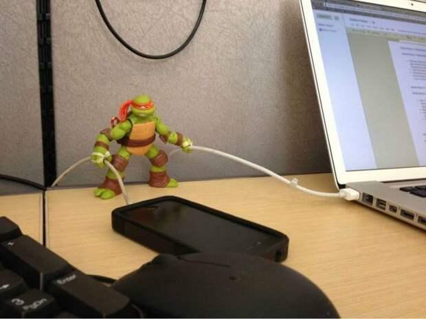 Держатель для USB кабелей