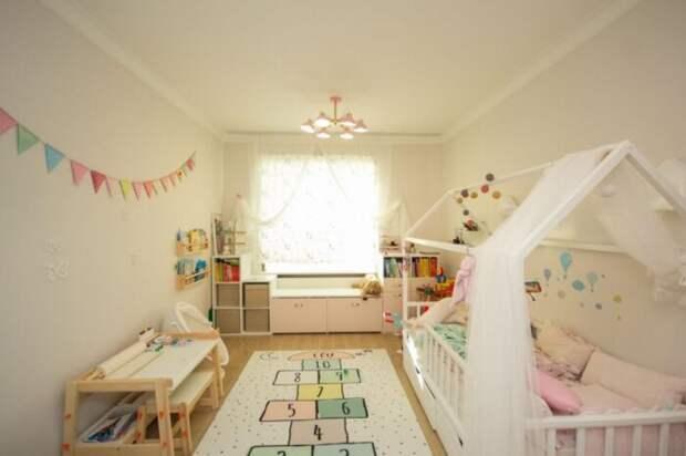 В Тюмени за 25 млн рублей продают красивую квартиру с камином