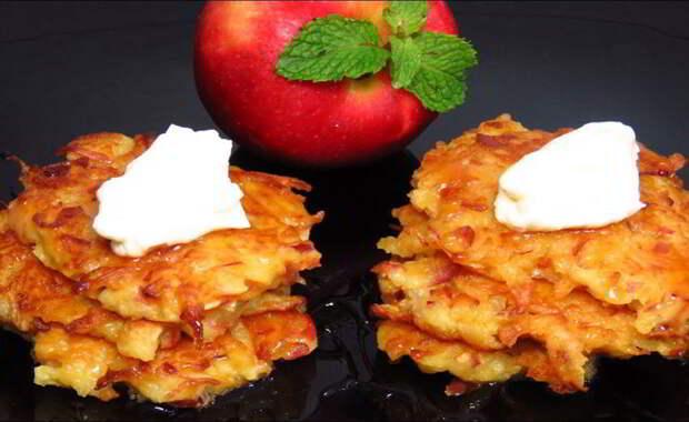 Ароматные яблочные драники к чаю: выпечка за 10 минут