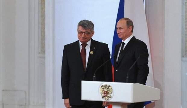 Сокуров уверен в информированности Путина о воровстве в России