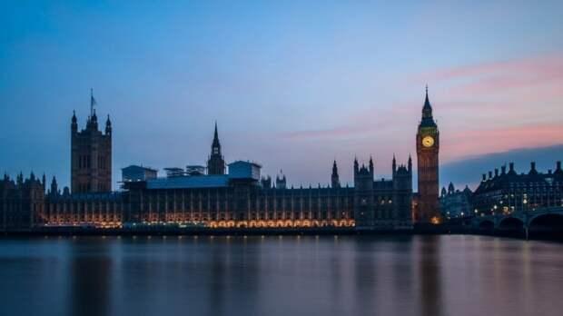 Британские СМИ указали на нестабильность Евросоюза