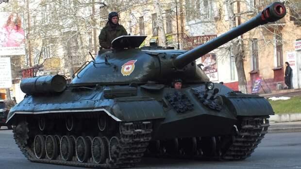 Аналитик NI напомнил, почему Запад боялся тяжелого танка ИС-3