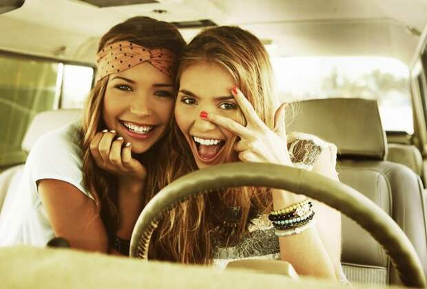 Позитивные и веселые девушки для хорошего настроения