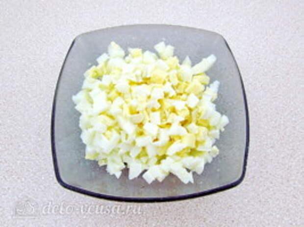 Салат из морской капусты с сайрой: фото к шагу 4