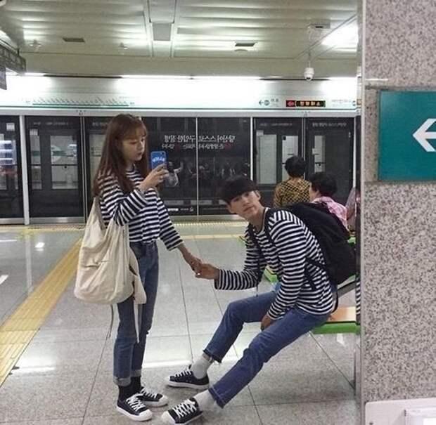 А еще корейцы обожают все парное. Если вы видите на улице двоих в одинаковой одежде — значит, они встречаются. (Шутка про то, что так ты не перепутаешь своего азиата с другими.) AdaKwon, в мире, жизнь, закон, корея, люди, правила