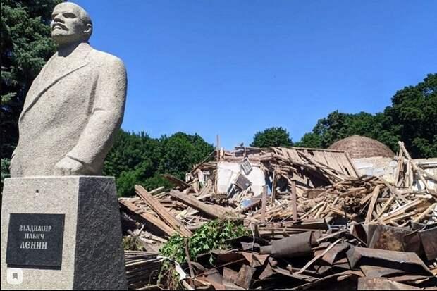 В Пензе снесли единственный в мире деревянный планетарий