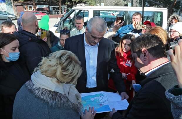Аксенов свалил вину за Форосский парк на ялтинские власти
