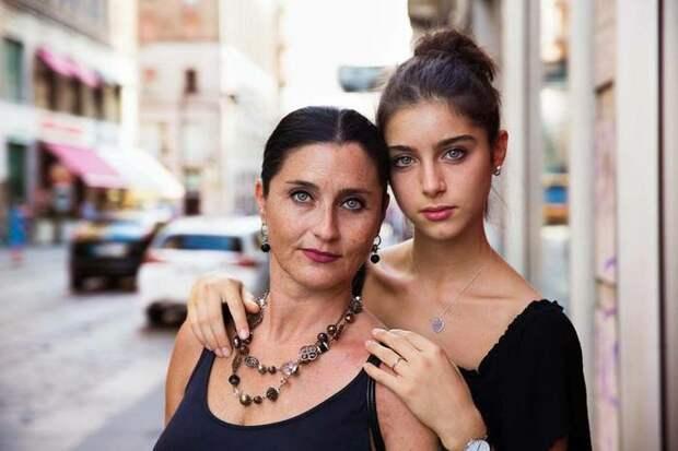 Мать и дочь из Италии