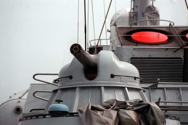 Российскую корабельную артиллерию станут наводить поворотом головы
