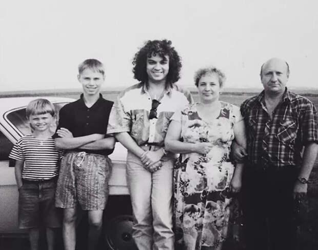 Период распада: 40 фото из 90‑х, которые вызовут смешанные чувства