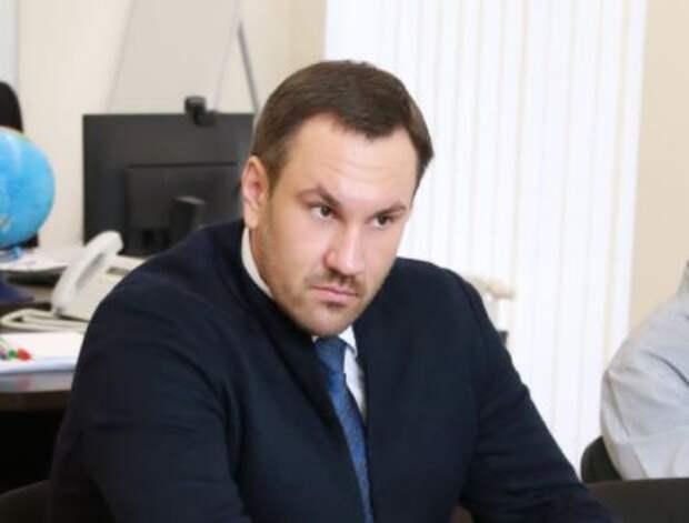 Председатель Госкомрегистра Крыма покинул свой пост