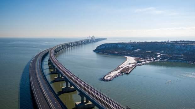 Поезда ходят по Крымскому мосту без перебоев в расписании