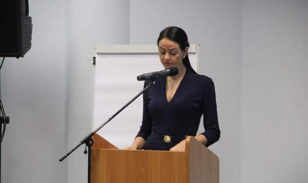 Скандальная экс-чиновница Глацких открыла свою школу