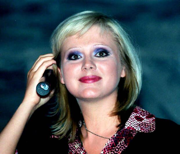 Буйство красок: самые фриковые макияжи звезд эпохи 90-х