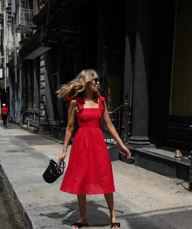 Красный сарафан: 14 эффектных идей для летних деньков