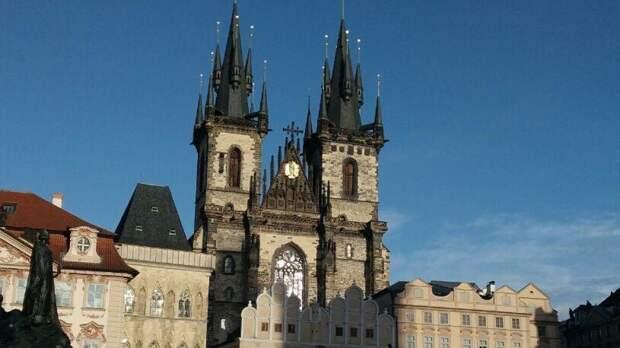 """Староста района """"Прага-7"""" потребовал от дипмиссии РФ вернуть землю в """"Стромовке"""""""