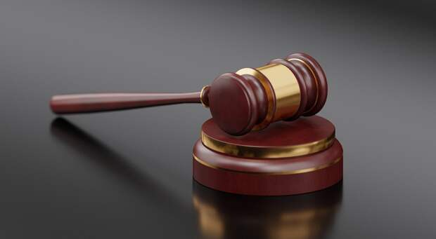 Экс-сотрудника УФСИН осудили в Удмуртии за отключение браслета своему другу на домашнем аресте