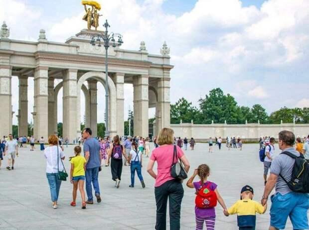 Танцевальный марафон, ходьба на ходулях и джазовый концерт: на ВДНХ пройдет семейный фестиваль