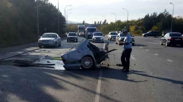 ДТП в Крыму: автомобиль с детьми разорвало на две части